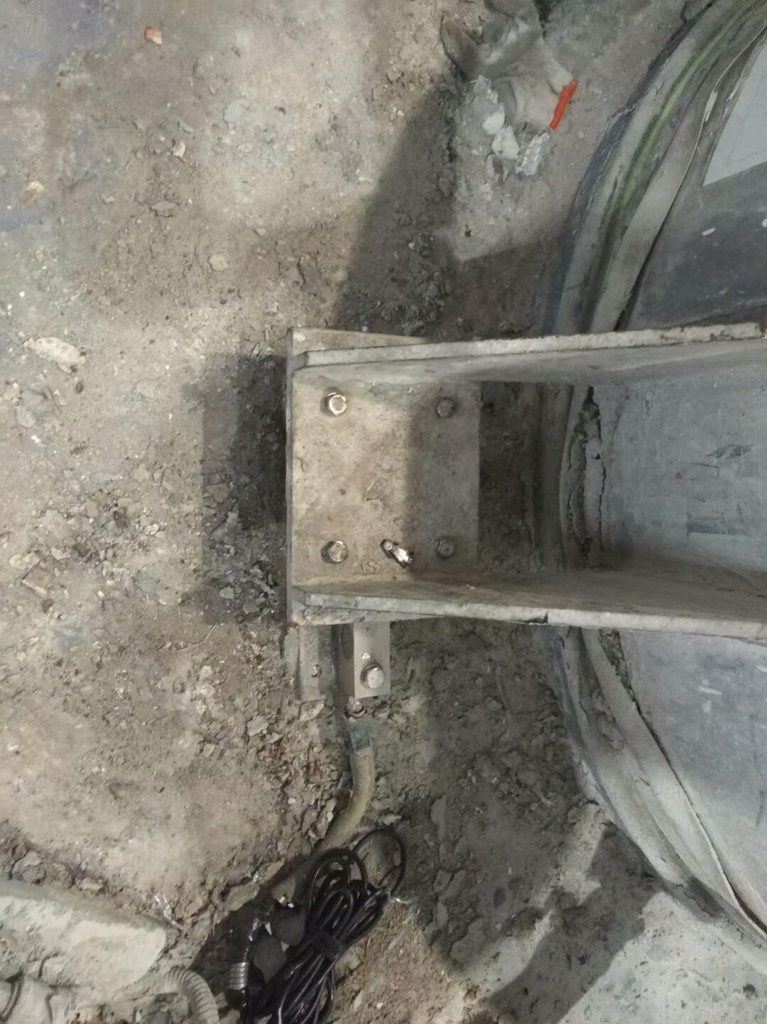 涂料料罐称重模块SB3T安装现场 (3)