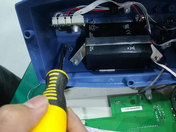 电子秤加继电器